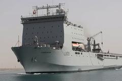 Lý do Iran điều nhiều tàu vũ trang vây bắt tàu dầu Anh