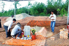 Solutions proposed for demolished tomb of king's wife in Hue