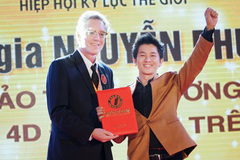 Vietnamese magician sets another world record