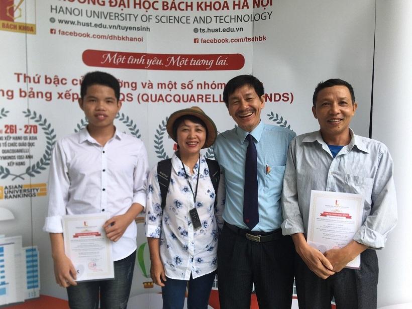 Hai anh em sinh đôi học giỏi được tuyển thẳng vào ĐH Bách khoa Hà Nội