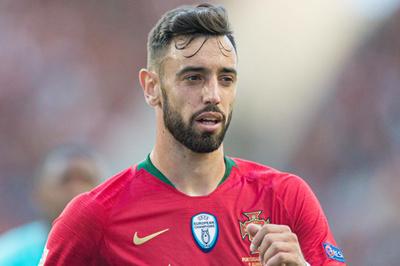 Sốt dẻo Bruno Fernandes về MU, Man City mua Dani Alves