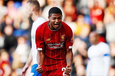 """""""Sát thủ"""" 18 tuổi tỏa sáng, Liverpool đại thắng 6-0"""