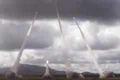 Xem xạ thủ Mỹ bắn mưa đạn pháo càn quét mục tiêu trên không