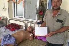 Trao hơn 43 triệu đến em Trần Duy Hào bị bỏng điện cụt cả hai tay