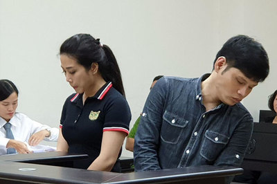 Đại ca Hà Thành khoe súng trên mạng xã hội, nhả đạn 'giỡn mặt' cảnh sát
