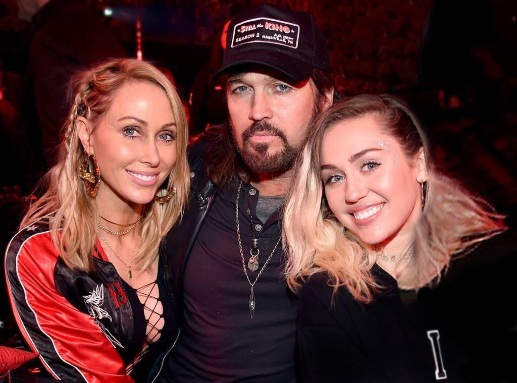 Kết hôn với Liam Hemsworth, Miley Cyrus vẫn bị hấp dẫn bởi tình dục đồng giới