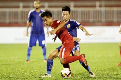 Tấn Tài đốt lưới nhà giúp TPHCM lấy lại ngôi đầu V-League