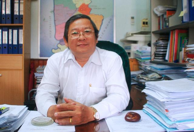 Khởi tố nguyên Giám đốc Sở Y tế Cà Mau