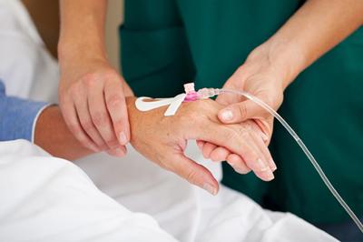 25 bệnh nhân Mỹ tử vong do tiêm thuốc giảm đau, BV sa thải hàng loạt bác sĩ