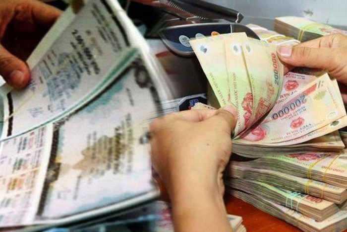 Money flows into corporate bonds