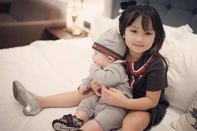 Những nhóc tì sinh ra đã 'ngậm thìa vàng' ở Việt Nam