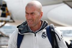 Zidane bất ngờ rời đội khi Real Madrid du đấu