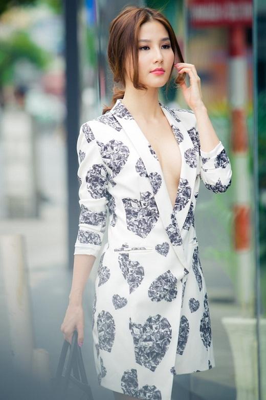 Mai Phương Thúy là người đẹp 'nghiện' mặc vest không nội y nhất, có lần bị tai tiếng