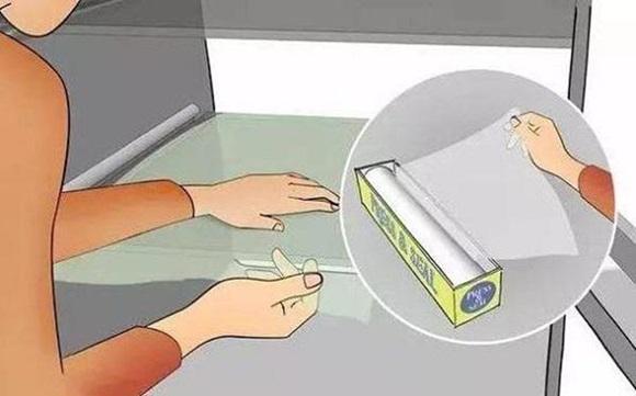 Lấy 1 tờ giấy A4 để trong tủ lạnh, tiết kiệm cả triệu tiền điện