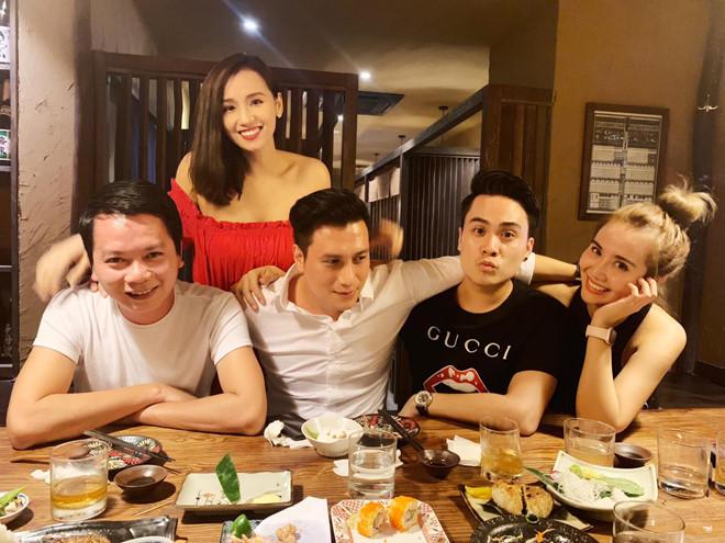 Gương mặt Việt Anh khác lạ, khó nhận ra sau phẫu thuật thẩm mỹ