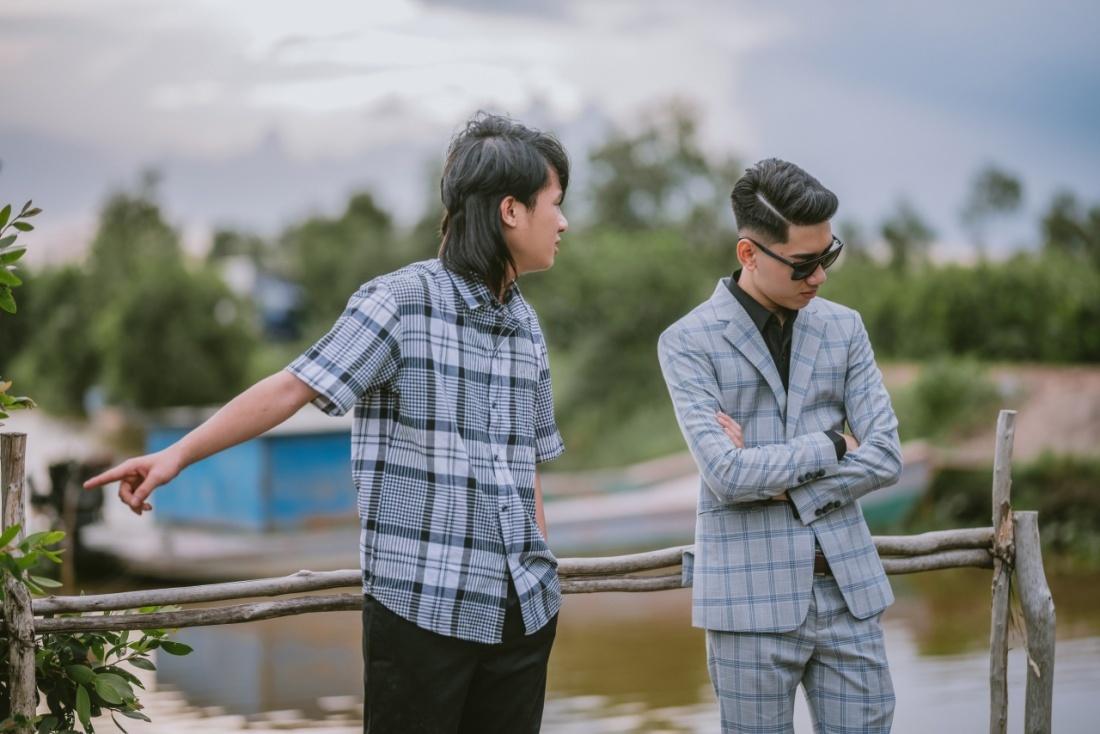 Bộ đôi 9X xô đổ 'Hãy trao cho anh' của Sơn Tùng trên YouTube