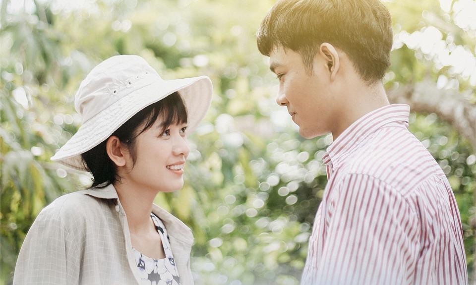 Cảnh giường chiếu nóng bỏng của Tim và Cao Thái Hà trong phim mới