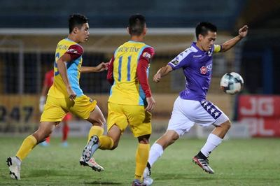 Hà Nội đánh rơi chiến thắng ở phút 96