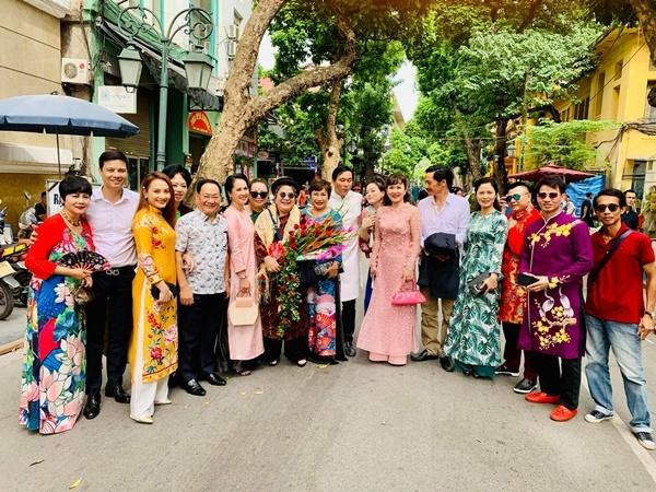 Quốc Trường 'thả thính' Ngọc Trinh sau lần gặp mặt đầu tiên