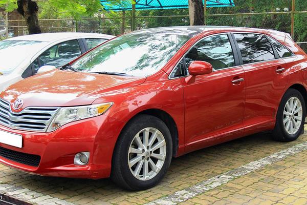 Toyota Venza không còn sản xuất, giá xe cũ vẫn gần 800 triệu đồng