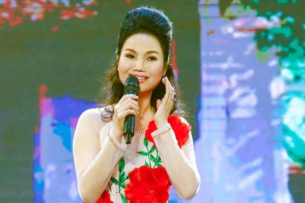 Thùy Trang 'Mưa bụi' bị đồn qua đời, chồng đại gia cấm lên sân khấu