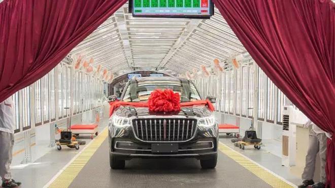 """""""Soi"""" Hồng Kỳ HS7 - mẫu xe SUV nội địa đắt nhất tại Trung Quốc"""
