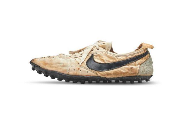 Đôi giày thể thao được bán đấu giá lên tới hơn 3,7 tỷ