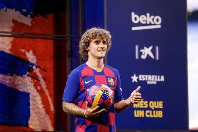 """Griezmann """"hy sinh"""" áo số 7, hào hứng ra mắt Barca"""