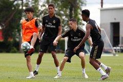 """HLV Real Madrid sửng sốt trước tài năng """"Messi Nhật"""""""