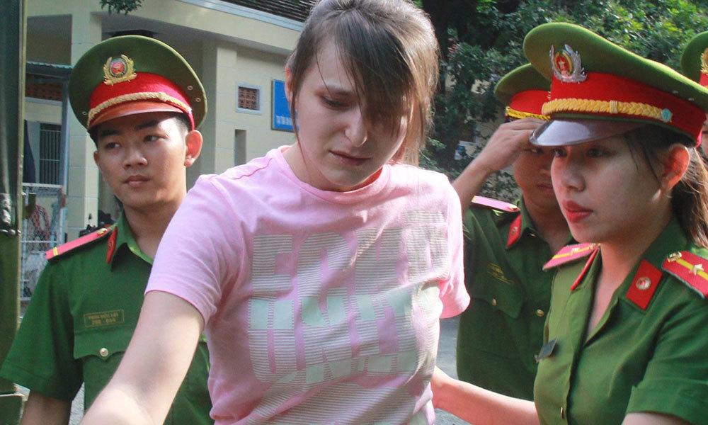 Thiếu nữ Nga điều hành đường dây sextour tại Sài Gòn