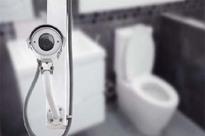 Sốc: Một tàu du lịch trên vịnh Hạ Long đặt camera quay lén du khách trong nhà vệ sinh