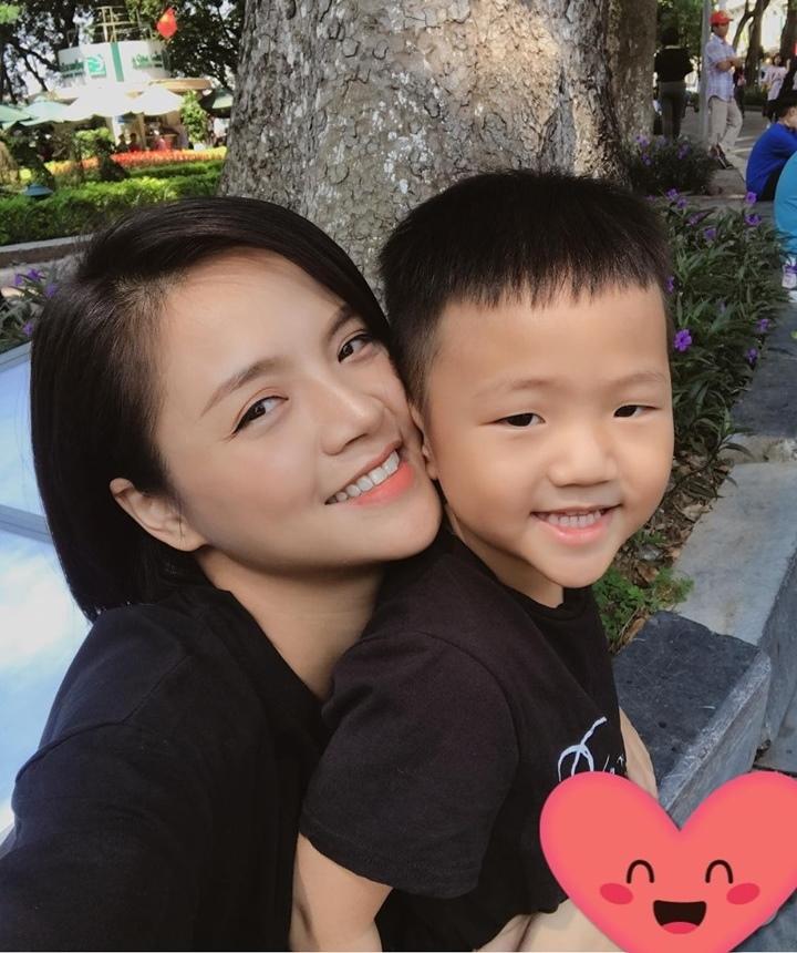 Tim Thu Quỳnh đập nhanh khi bị Tuấn Tú hôn ở 'Về nhà đi con'