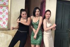 'Váy ngành' đầy rẫy trong 'Quỳnh Búp bê' có quá khứ bị vùi không thương tiếc