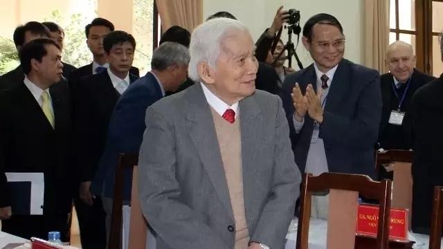 Renowned Vietnamese mathematician Hoang Tuy passes away at 92
