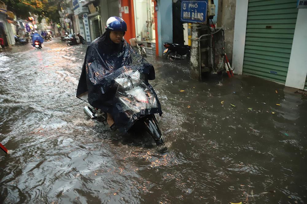 mưa ngập,ngập úng,mưa gió,Hà Nội,ngập lụt