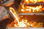 Vàng nguyên chất được tinh luyện như thế nào?