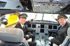 Liên tục mở hãng bay, hàng không Việt lấy phi công từ đâu?