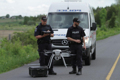 Đua xe trên đường phố sẽ bị drone quân sự truy đuổi từ trên không