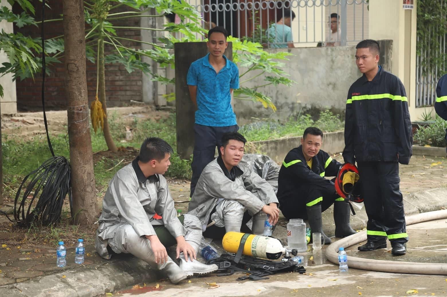 Hà Nội: 6 biệt thự bị thiêu rụi cạnh Thiên Đường Bảo Sơn