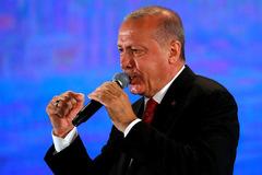 Phớt lờ Mỹ, Thổ Nhĩ Kỳ khen nức nở 'rồng lửa' Nga