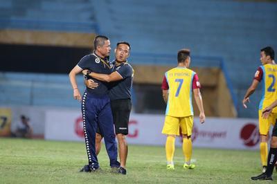 """Hà Nội FC mất """"tướng"""" ở trận đại chiến HAGL"""