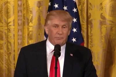 Xem ông Trump và Putin hòa làm một qua bàn tay phù thủy 3D
