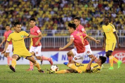 SLNA đánh rơi chiến thắng phút cuối trước Sài Gòn