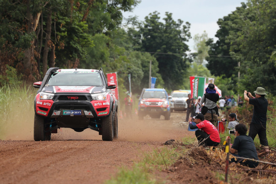 Asia Cross Country Rally,Đua xe