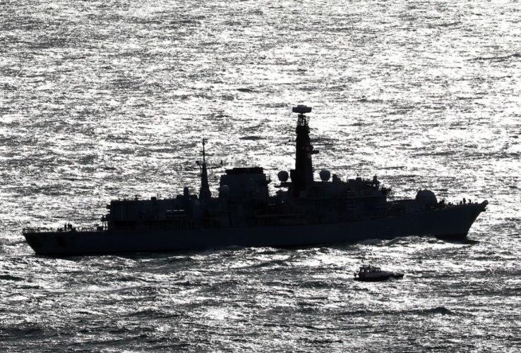 Căng với Iran, Anh điều tàu chiến thứ ba tới vùng Vịnh