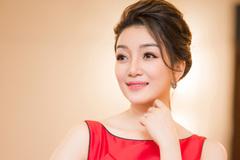 Phạm Thu Hà ra album, làm liveshow và... lên chức