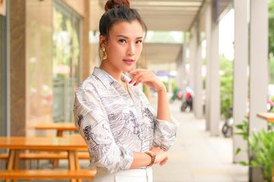 Hoàng Oanh: 'Bạn trai theo đuổi một năm rưỡi tôi mới nhận lời yêu'