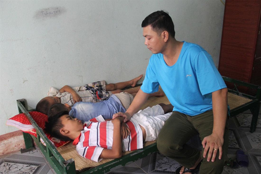 Nghi vấn 3 bé trai Nghệ An bị bắt cóc khi chỉ đường cho lái xe bán tải