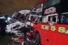 Xe khách đối đầu xe tải, 2 tài xế thiệt mạng