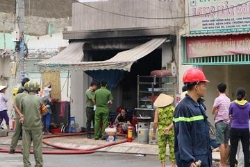 Nổ bình gas trong quán ăn ở Sài Gòn, nhiều người mắc kẹt